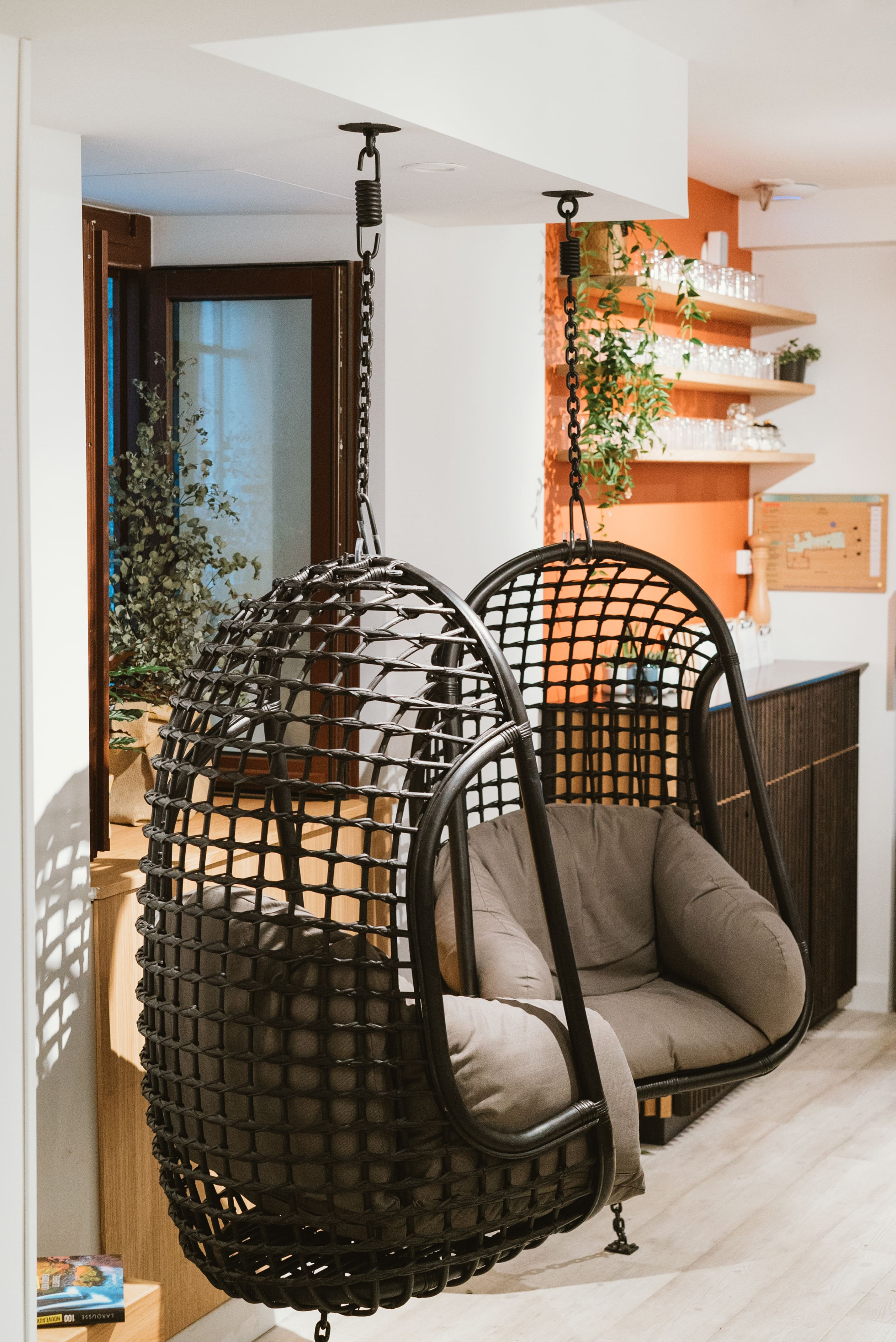 Agencement interieur design métallique ROBI restaurant Haven Annecy 74 agencement en metal 10