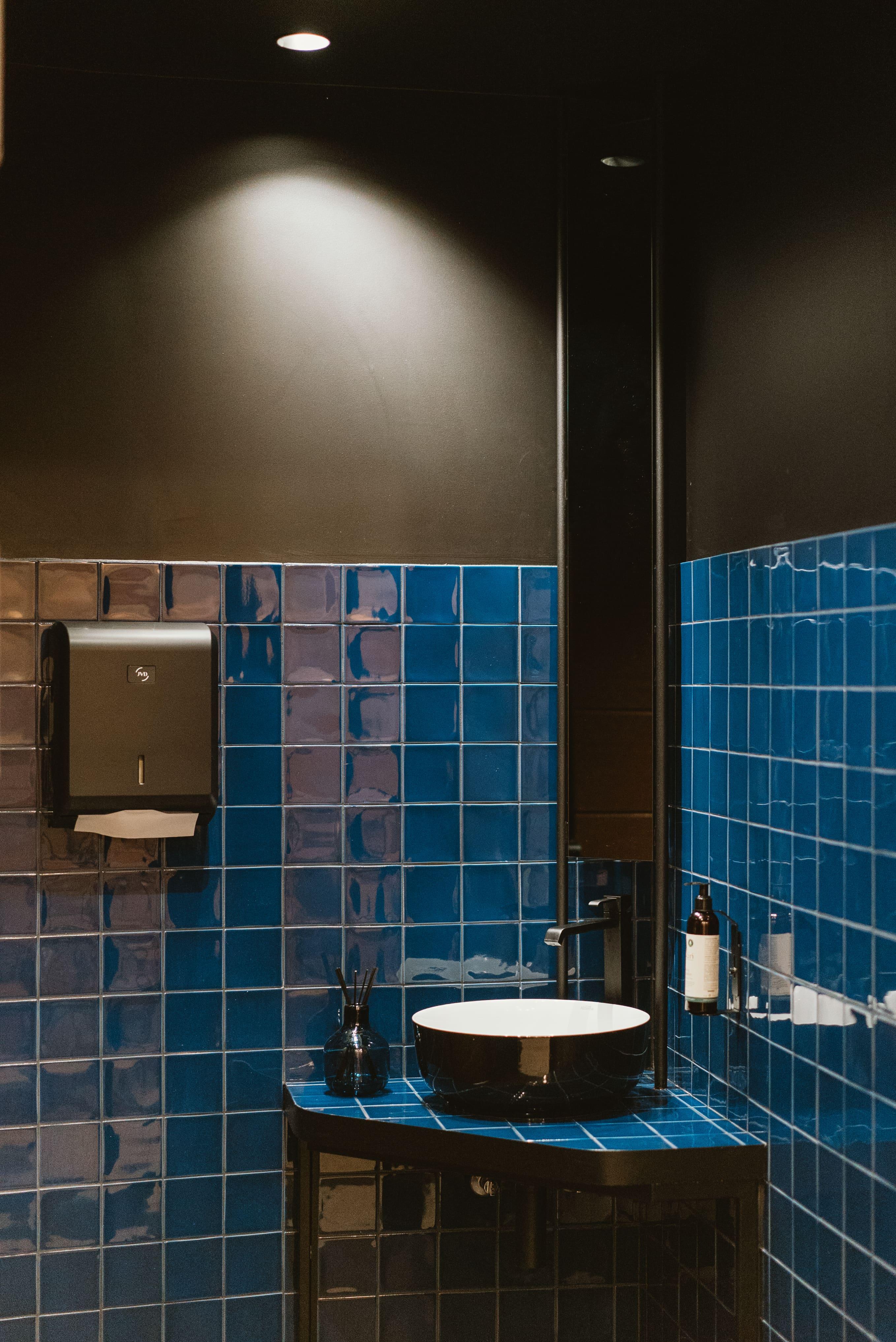 Agencement interieur design métallique ROBI restaurant Haven Annecy 74 agencement en metal 12