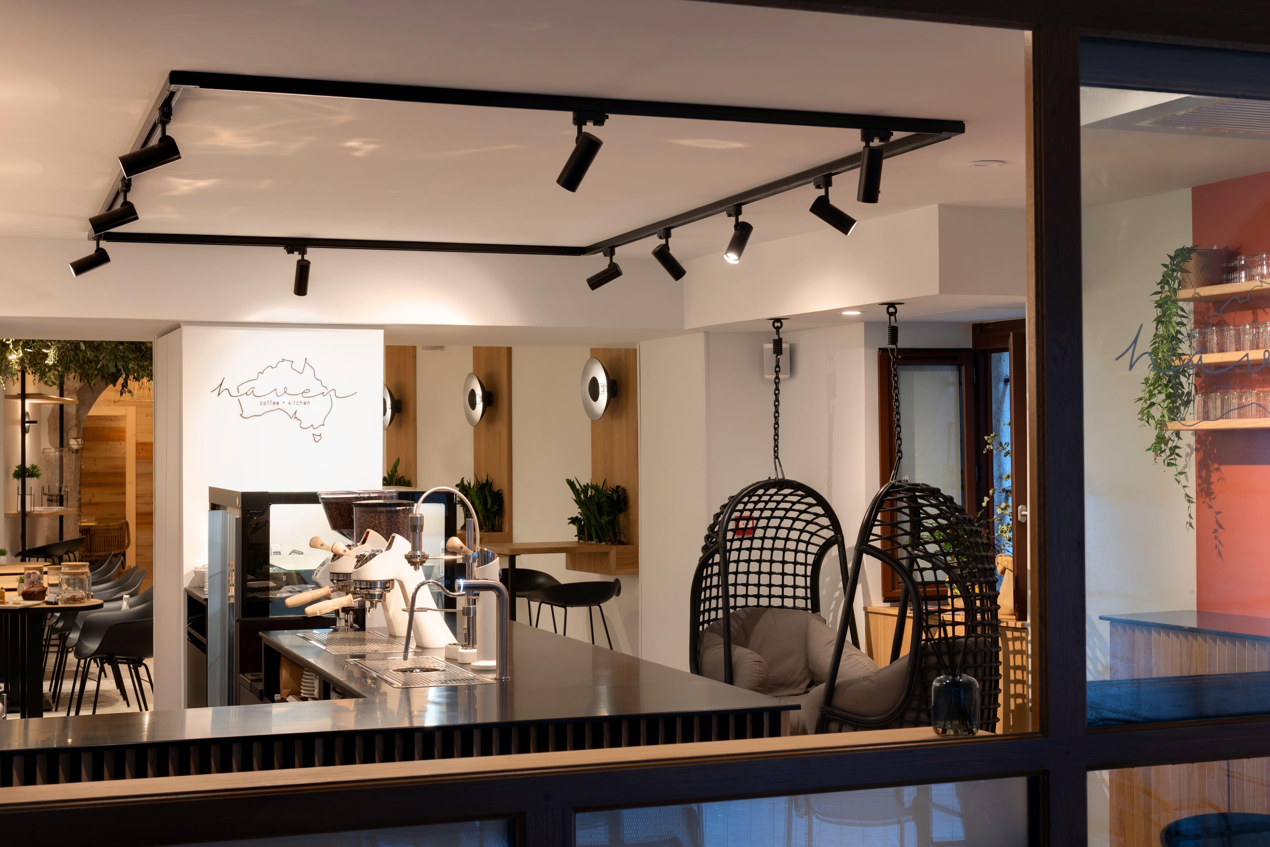 Agencement interieur design métallique ROBI restaurant Haven Annecy 74 agencement en metal 6