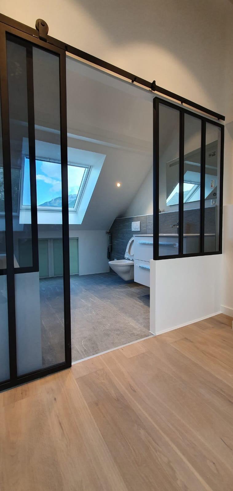 Escalier / Garde-corps et verrière de salle de bains ...