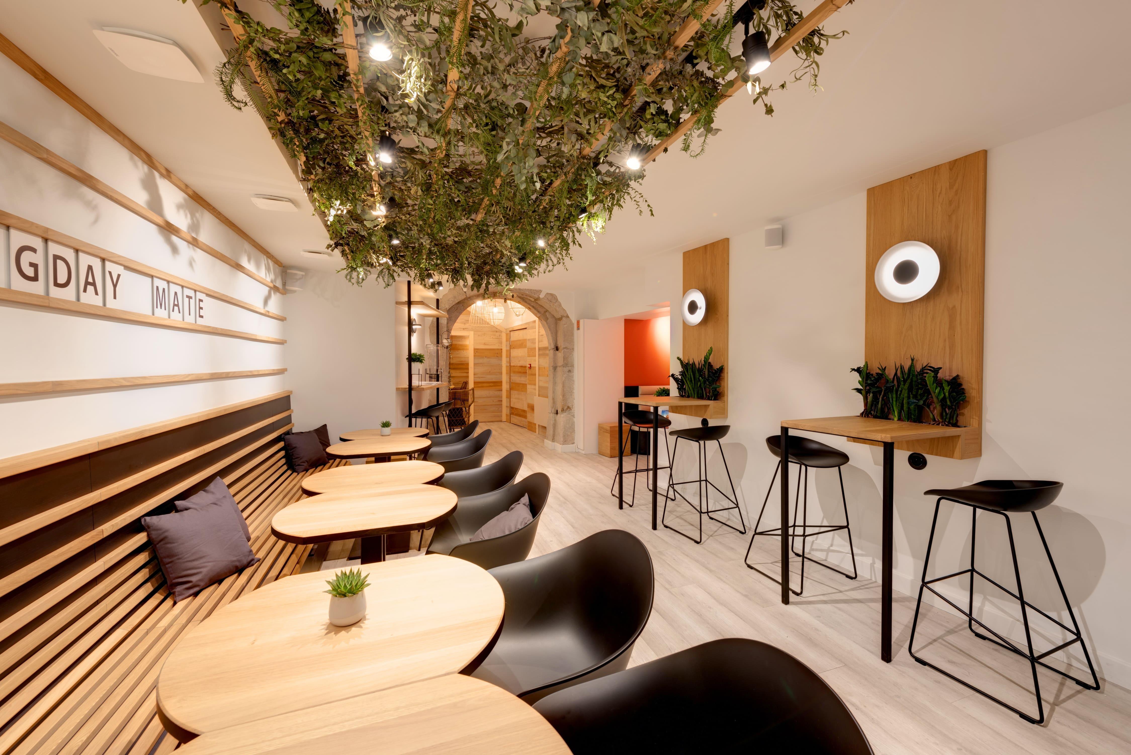 Agencement interieur design métallique ROBI restaurant Haven Annecy 74 agencement en metal 2