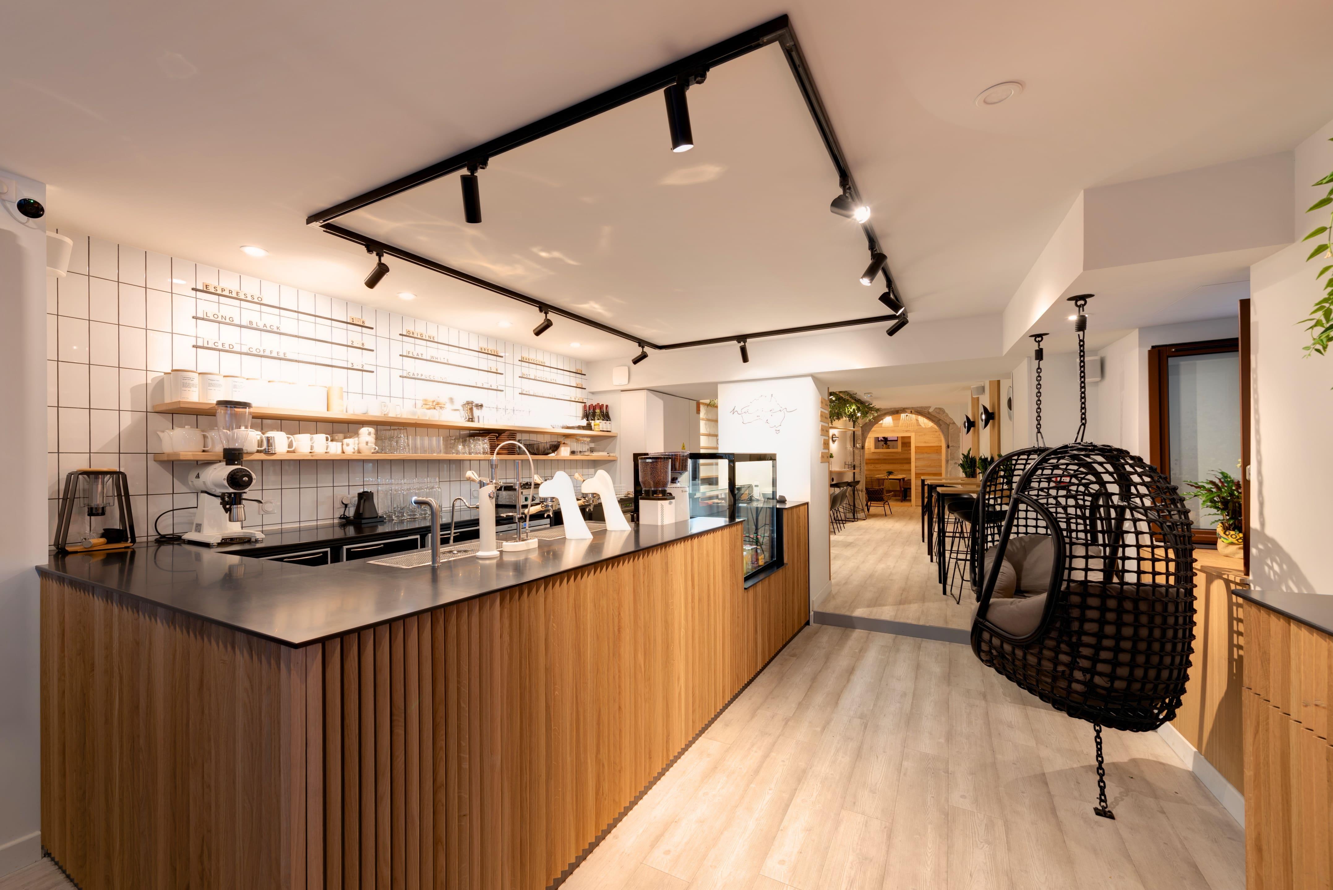 Agencement interieur design métallique ROBI restaurant Haven Annecy 74 agencement en metal 5
